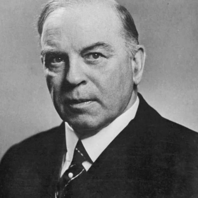 Black and white photo of Mackenzie King